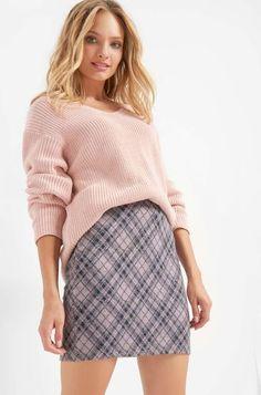 Models, Elegant, Mini Skirts, Casual, Fashion, Pink, Checkered Skirt, Templates, Classy