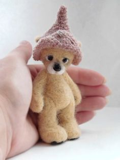 Hey, I found this really awesome Etsy listing at http://www.etsy.com/listing/156880239/collectible-needle-felted-teddy-bear