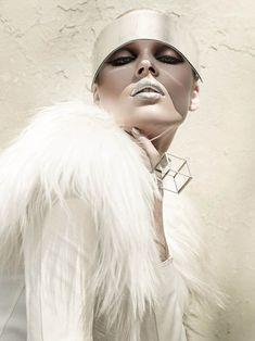Leather Dress with Fur Collar Lie Sang Bong, Visor Alexander McQueen, Ring Laruicci