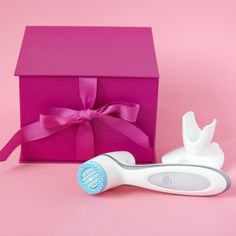 AgeLOC Lumispa - give the gift of visibly cleaner, smoother, softer, radiant skin this Christmas - significantly reduces pours - 2 minutes use - 7 skin benefits, easy clean for re use Beautiful Gifts For Her, Facial Cleansing Brush, Radiant Skin, Tips Belleza, Skin So Soft, Beauty Care, Nu Skin, Instagram, Galvanic Spa