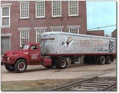 International Harvester pictures for everyone Freightliner Trucks, Gmc Trucks, Cool Trucks, Fire Trucks, Pickup Trucks, Antique Trucks, Antique Tractors, Vintage Trucks, International Pickup Truck