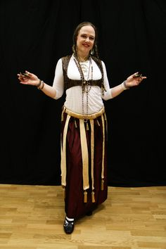 August 2014 Newsletter from Belly Dance with Nisaa--Egyptian dance and costuming at the turn of the 19th/20th centuries