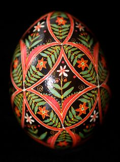 Items similar to Red Flowers and Green Ferns on Black Batik Chicken Egg on Etsy Ukrainian Easter Eggs, Ukrainian Art, Egg Rock, Carved Eggs, Chicken Eggs, Fresh Chicken, Easter Egg Designs, Egg Dye, Coloring Easter Eggs
