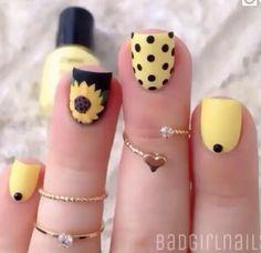 Best gallery of beautiful Polka Dot Nail Art Designs in Polka dot nail art designs choice image nail art and nail design nail art designs polka Easy Nail Art: Polka Dot Nails for Beginners Chic Nail Designs, Short Nail Designs, Floral Designs, Dot Nail Art, Polka Dot Nails, Polka Dots, Spring Nails, Summer Nails, Yellow Nails Design