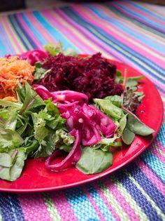 Picklad rödlök Cabbage, Vegetables, Food, Essen, Cabbages, Vegetable Recipes, Meals, Yemek, Brussels Sprouts