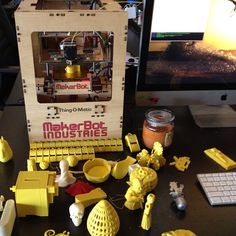 Maker Bot 3D printing