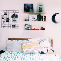 *Teen rooms* — Simple decorations like these make any room look...