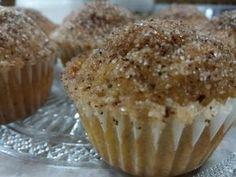 Πεντανόστιμα donut muffins για το πάρτι του παιδιού σας! Donut Muffins, Donuts, Breakfast, Food, Doughnut Muffins, Frost Donuts, Morning Coffee, Beignets, Essen
