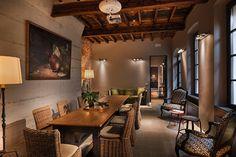 http://www.hotelmaisonborella.com
