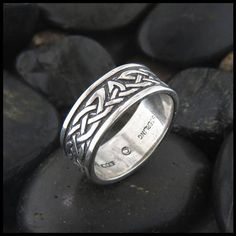 Celtic Lorn Ring in Sterling Silver Celtic Knotwork Band in