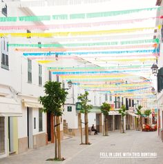 fringe bunting would look so nice across a tent ceiling or any venue :)