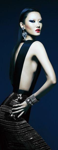 Dress BOSS. Earrings, Bracelets and Ring VINTAGE CAROLE TANENBAUM.