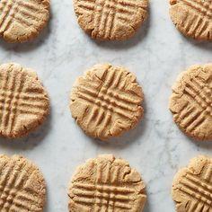 Jif Peanut Butter Cookies, Crisco Cookies, Peanut Butter Oatmeal, Peanut Butter Recipes, Creamy Peanut Butter, Chocolate Peanut Butter, Cookies Et Biscuits, Vanilla Cookies, Yummy Cookies