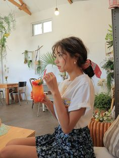 Ulzzang - Fashion - Beauty - Kpop I do NOT post pictures of myself! The girls' names are always in the tags! Aesthetic Girl, Aesthetic Clothes, Aesthetic Photo, Mode Outfits, Fashion Outfits, Fashion Hair, Fashion Tips, Grunge Hair, Looks Style