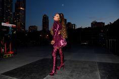 Ariana Grande just wore her natural curls and looks SO cute - CosmopolitanUK Ariana Grande Grammys, Ariana Grande 2016, Ariana Grande Pictures, Ariana Grande Curly Hair, Ariana Grande Wallpapers, Curly Hair Styles, Natural Hair Styles, Paparazzi Photos, Dangerous Woman