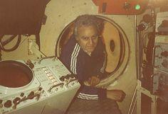 1978 - il com.te Franco Faccioli all'interno del minisommergibile della Nave Soccorso Proteo della Marina Militare. Alla sua destra il primo Sistema di navigazione subacquea installato in Europa [fornitura Codevintec].