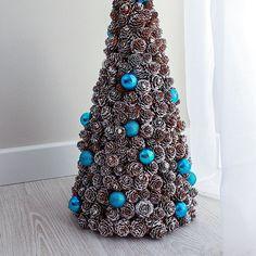 #choinka #diy #swieta #dekoracje #zrobtosam #lublin #poland #szyszki Christmas Tree, Holiday Decor, Diy, Home Decor, Homemade Home Decor, Bricolage, Xmas Tree, Xmas Trees, Do It Yourself
