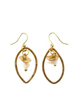 On #AdventGoods Day 5 we have earrings from @peopletree ! These Natural Stone Earrings are a great Christmas accessory and they come with an incredible story. They were handmade in Kenya through a Fair Trade social business called Bombolulu. Bombolulu provides opportunities for people with physical disabilities by employing them, teaching them new skills and treating them fairly. We love them! Buy them for just £14.00 here: http://www.peopletree.co.uk/women/jewellery/natural-stone-earrings