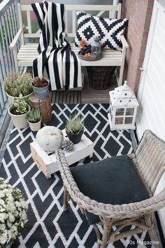 20 Awesome Small Balcony Ideas Glorifying Even The Tiniest of Spaces! The Best of home decoration in 2017 20 Awesome Small Balcony Ideas Glorifying Even The Tiniest of Spaces! The Best of home decoration in Decor, Balcony Decor, Patio Decor, Outdoor Rugs, House Interior, Interior, Balcony Furniture, Home Decor, Apartment Decor