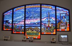 """Unitarian Universalist church in Las Cruces (panel in honor of Clyde Tombaugh, discoverer of """"planet"""" Pluto)"""