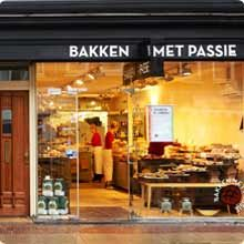 BAKKEN MET PASSIE Great place for #breakfast and to get the best bread in town. Located in the Pijp on the Albert Cuypmarket 53, #Amsterdam. Lovely food, great croissants, scones, and savory muffins. And the bread of course. http://www.bakkenmetpassie.nl