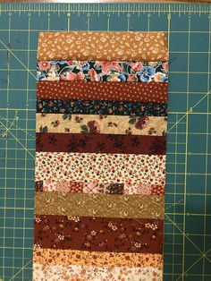 Quilting A Strip-Quilted Potholder - A Tutorial - Lois & Clark Connection Quilting For Beginners, Quilting Tutorials, Quilting Projects, Sewing Projects, Fun Projects, Sewing Ideas, Jelly Roll Quilt Patterns, Mug Rug Patterns, Sewing Patterns
