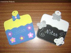Portanotas para la cocina hechos con foamy Mothers Day Crafts, Drink Sleeves, Carnival, Feltro, Paper, Amor, Fun Crafts, Nails Shape, Felt Flowers