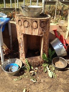 Oven to go with our mud kitchen! We have the mud kitchen and sink, this year we add the oven Outdoor Learning Spaces, Kids Outdoor Play, Outdoor Fun, Outdoor Classroom, Outdoor School, Eyfs Outdoor Area, Natural Play Spaces, Cuisines Diy, Mud Kitchen