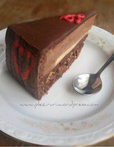 Tort cu ciocolata si creme brulee | Pleziruri Cake Recipes, Dessert Recipes, Desserts, Crazy Cakes, Creme Brulee, Food Cakes, Something Sweet, Homemade Cakes, Nutella