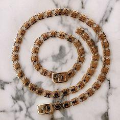 Vintage chain choker one size fits all New York Fashion, Star Fashion, Fashion Trends, Street Style Trends, Chain Belts, Spring Trends, One Size Fits All, Spring Fashion, Fashion Accessories