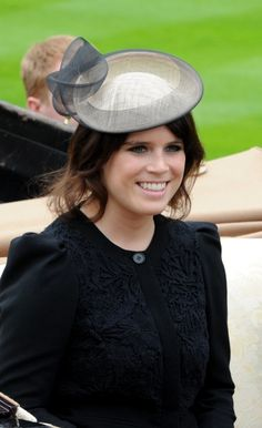 Princess Eugenie Photos Photos - Princess Eugenie on day one of Royal Ascot at Ascot Racecourse on June 2019 in Ascot, England. Royal Ascot 2019 - Day One Princess Elizabeth, Princess Eugenie, Royal Princess, Princess Beatrice, Duchess Of York, Duke And Duchess, Beatrice Eugenie, Best Suits For Men, Royal Crown Jewels