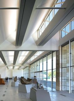 THE RESNICK PAVILION in LOS ANGELES. Renzo Piano Building Workshop