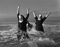 nuns playing in the ocean - freedom of religion I Smile, Make Me Smile, Happy Smile, Belle Photo, I Laughed, Laughter, Have Fun, In This Moment, Black And White