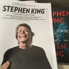 """[FR] Dans l'interview de Stephen King et Owen King actuellement disponible dans le magazine @parismatch_magazine en kiosque Stephen King dément la rumeur selon laquelle il a racheté le van de son accident pour le détruire avec une batte : """"Pas tout à fait. Mon épouse a racheté le van et l'a fait détruire car elle ne voulait pas le voir revendu sur eBay. Mais j'aurais bien aimé le détruire moi-même"""""""