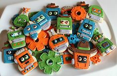 Creative Robot Cookie Platter {Sugarbelle} for a little boy who loves robots and cowboys. ;) hehe.