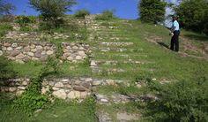 Chircal, la antigua joya arqueológica escondida de Comayagua - Es más antiguo que las Ruinas de Copán , pero no se han hecho muchos estudios en este lugar, que fue habitado hace 4,000 años por los lencas.  El Chircal está ubicado entre la aldea de Yarumela y la base aérea de Palmerola, a 20 minutos de Comayagua