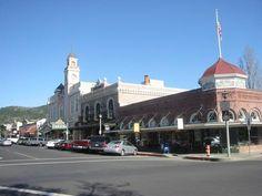Sonoma, CA- downtown square