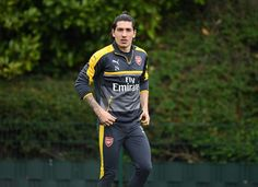 Arsenal transfer news: Agent confirms no Barcelona approach for Hector Bellerin