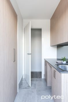 Polytec laundry - Laundry doors in Satra Wood Ravine. Room Makeover, Kitchen Niche, Bathroom Furniture, Laundry Doors, Home Remodeling, Laundry Design, Small Room Bedroom, Interior Design Living Room, Utility Room Designs