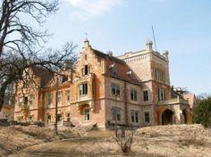 A mikosdpusztai Mikos-Zierer-kastély Hihetetlen, de ezek a misztikus helyek is Magyarországon vannak! Hungary, Budapest, Places To Visit, Europe, Explore, Mansions, House Styles, World, Travel