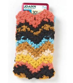 Phone cozy with crochet :) Love Crochet, Learn To Crochet, Beautiful Crochet, Knit Crochet, Crochet Hoodie, Easy Crochet Projects, Crochet Crafts, Crochet Ideas, Craft Patterns