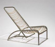 Chaise longue par René Herbst   René Herbst (1891 - 1982) Titre : Chaise longue , vers 1930 Support : chrome-plated steel Taille : 56,5 x 55,5 x 87 cm.