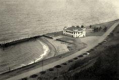 Fundado em 12 de Fevereiro de 1913, o Clube Naval de Lourenço Marques, aqui nos anos 20.  Fotografia de Vasco Freitas