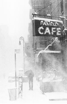 cafe in the snoiw