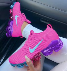 Tennis Adidas, Ideas of Tennis Adidas, Tennis Adidas for sales. Cute Nike Shoes, Cute Sneakers, Nike Air Shoes, Shoes Sneakers, Basket Style, Sneakers Fashion, Fashion Shoes, Fresh Shoes, Hype Shoes