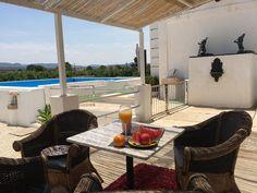Réservez votre gîte de vacances Carcaixent, comprenant 4 chambres pour 12 personnes. Votre location de vacances Province de Valence à partir de 135 € la nuit sur Homelidays.
