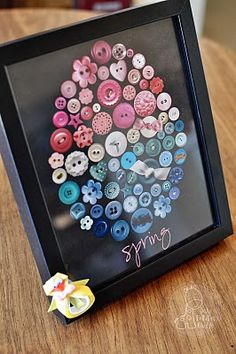 Free Printable. So cute for spring. Looks like real buttons.