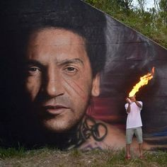 I bellissimi ritratti dei più importanti rapper italiani fatti da Jorit Agoch.