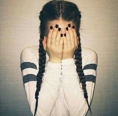 Poses to look gorgeous in your selfies when you comb your hair with braids - Lange Haare Hair Day, Your Hair, Girl Hair, Ft Tumblr, Tumblr Girls, Back To School Hairstyles, College Hairstyles, Teenage Hairstyles, Everyday Hairstyles