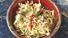 Try this Crab Linguine recipe by Chef Jamie Oliver. This recipe is from the show Jamie's Comfort Food. Linguine Recipes, Best Pasta Recipes, Dinner Recipes, Seafood Dishes, Fish And Seafood, Pasta Dishes, Jamie Oliver Dishes, Healthy Pastas, Healthy Recipes